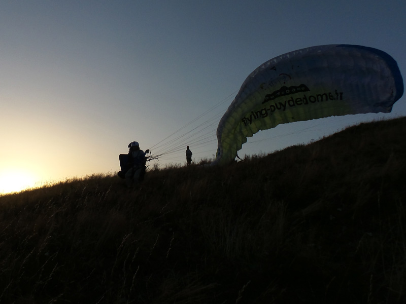 Journee Decouverte Vol Biplace Coucher De Soleil Flying Puy De Dome