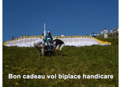flying-puy-de-dome-biplace-parapente-handicare_957810791